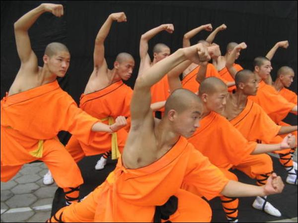 shaolin-monks-1.jpg